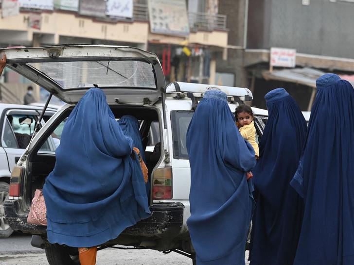 Фото №3 - Убийства, пытки и сексуальное насилие: что ждет женщин Афганистана при «Талибане»