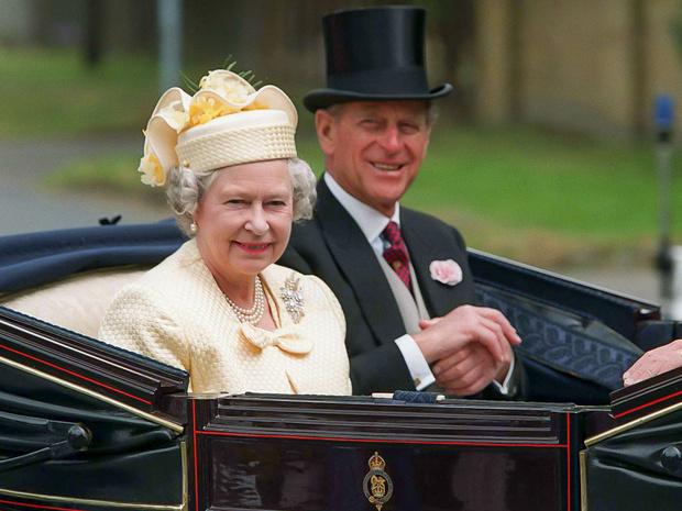 Фото №1 - Почему Королева и принц Филипп заключили брачный договор через 40 лет после свадьбы