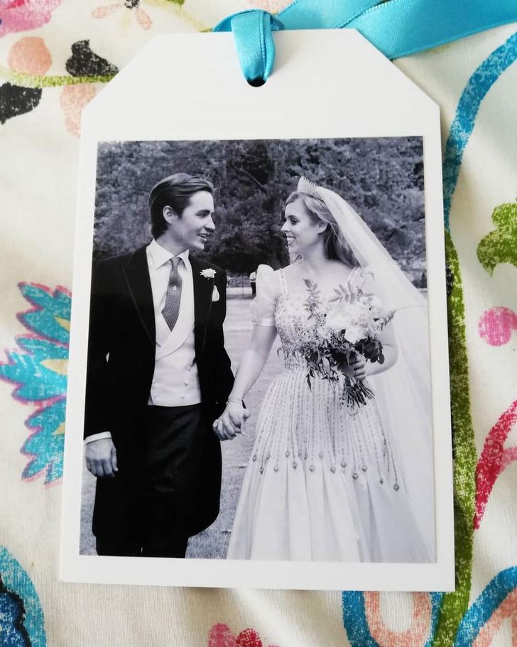 Фото №1 - Редкий и неопубликованный кадр с королевской свадьбы принцессы Беатрис