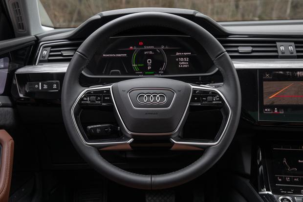 Фото №21 - Элегантный дизайн прогрессивных технологий: новый полностью электрический SUV Audi e-tron Sportback