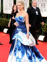 Сара Мишель Геллар в платье от Monique Lhuillier: