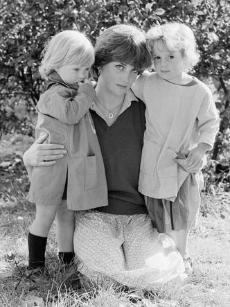 Фото №4 - Как Диана «влияет» на воспитание Джорджа, Шарлотты и Луи Кембриджских