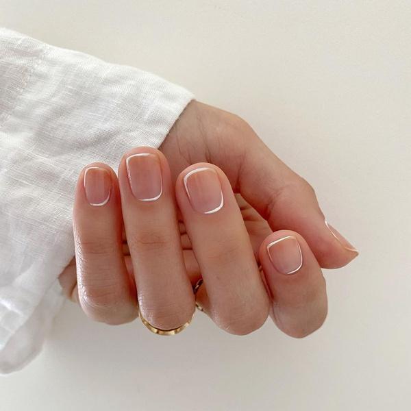 Фото №13 - Маникюр для коротких ногтей: 15 модных идей