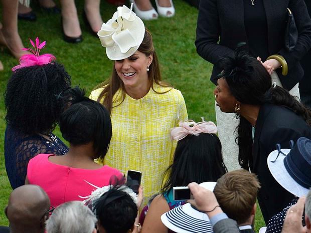 Фото №4 - Многолетняя традиция, от которой Королеве придется отказаться в этом году