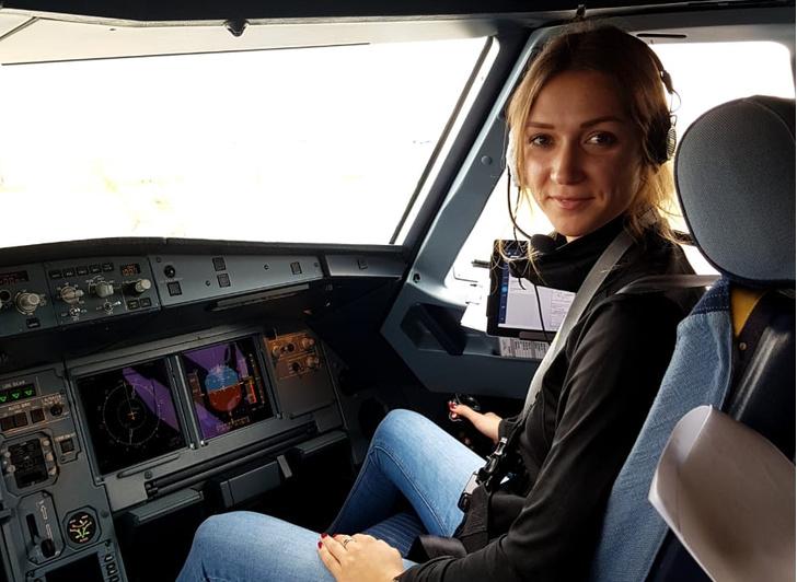 Фото №2 - За штурвалом: честная история женщины-пилота