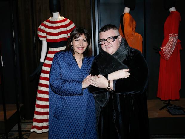 Фото №9 - «У женщин всегда есть две стороны»: самое честное интервью дизайнера Альбера Эльбаза