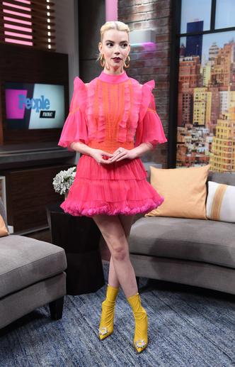 Фото №16 - Королева красных дорожек: секреты стиля и самые яркие образы Ани Тейлор-Джой