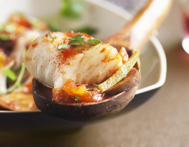 Треску с морковью готовить просто и быстро