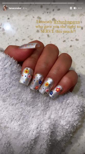 Фото №1 - Блестящие ногти: делаем маникюр как у Ланы Кондор
