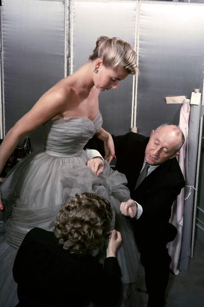 Фото №2 - Как это устроено: история Christian Dior от А до Я