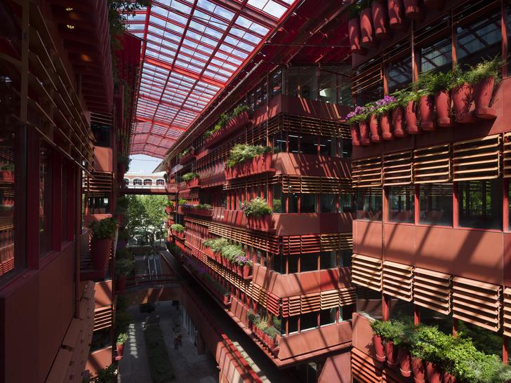 Фото №1 - Коммерческое здание по проекту Жана Нувеля в Шанхае