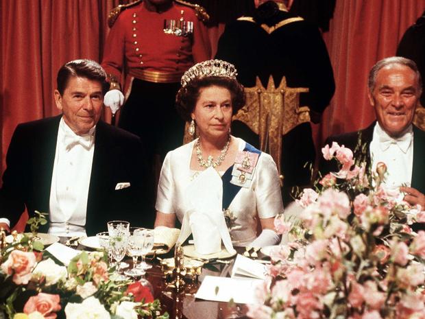 Фото №1 - Причуды королей: самая необычная пищевая привычка Елизаветы