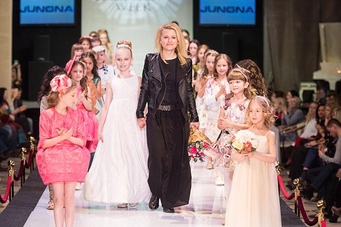 Фото №1 - Телеведущая Анна Грачевская выйдет на подиум вместе с дочерью