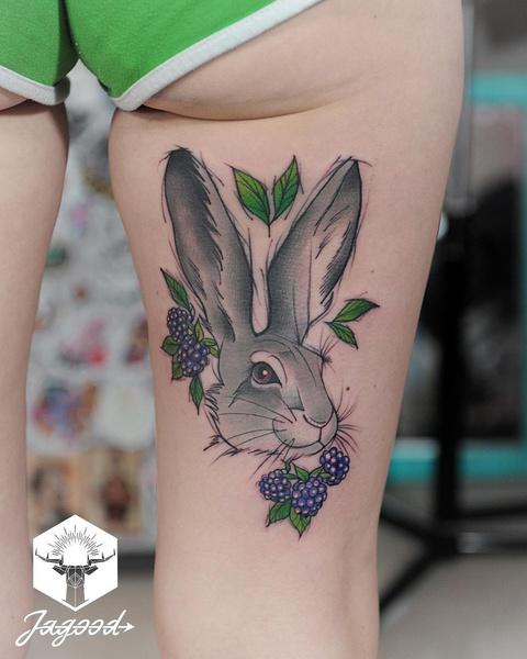 Фото №7 - Первая татуировка: самые красивые эскизы в стиле акварели