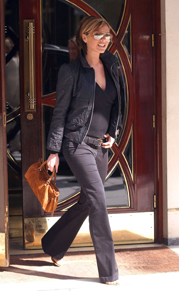 Беременная Виктория Бекхэм, 2002 год
