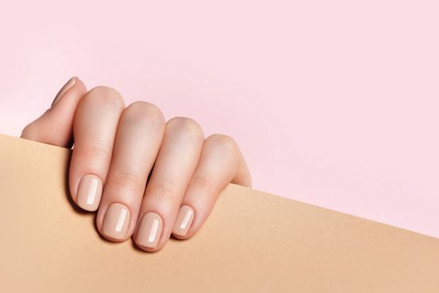 Фото №3 - Как укреплять ногти акриловой пудрой