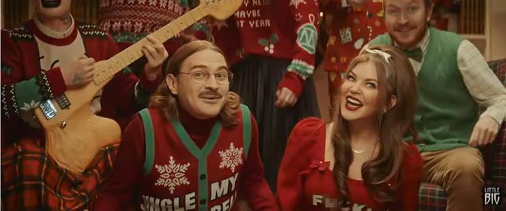 Фото №1 - Похабный новогодний шлягер Little Big и еще 8 клипов недели