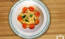 Спагетти айоли с черри томатами