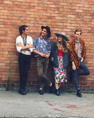 Фото №2 - Самая модная группа нашего времени: разбираем яркий и безумный стиль Maneskin