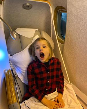 Фото №1 - Решетова увезла годовалого сына на отдых на частном самолете