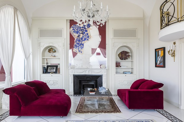 Фото №1 - Яркая квартира с дизайнерской мебелью в Неаполе