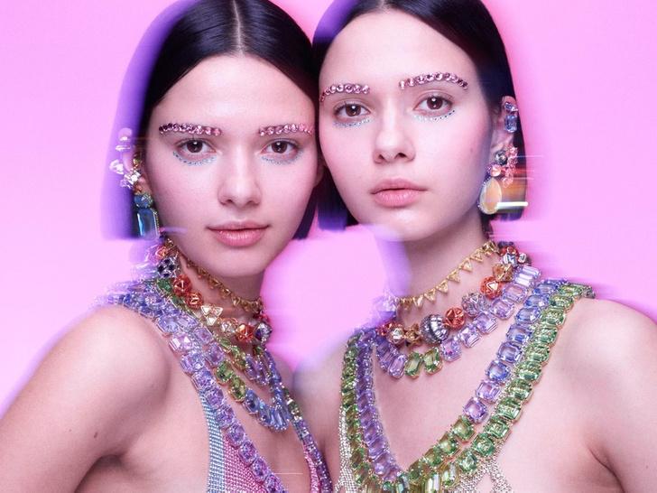 Фото №2 - Блеск кристаллов: как выглядят красочные украшения Collection II от Swarovski