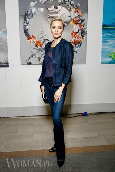 Фото №2 - Изольда со спутником, яркая Аскери и другие гости открытия ярмарки современного искусства Art Russia Fair