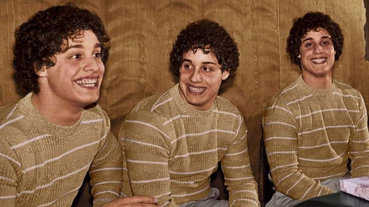 Фото №1 - Как тройняшки, разлученные в детстве ради эксперимента, случайно нашли друг друга в 19 лет