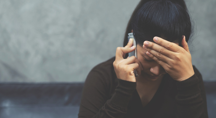 Что делать, если вы стали свидетелем абьюза: отвечает психолог
