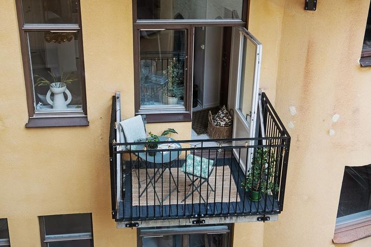 Фото №16 - Маленькая скандинавская квартира со спальней на антресоли