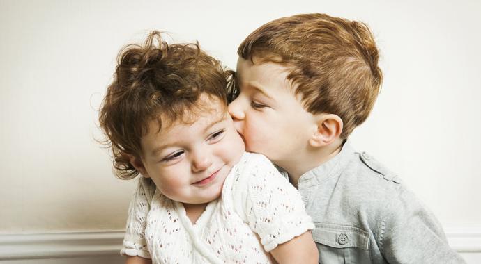 Первая любовь: этапы, через которые мы прошли. А детям только предстоит