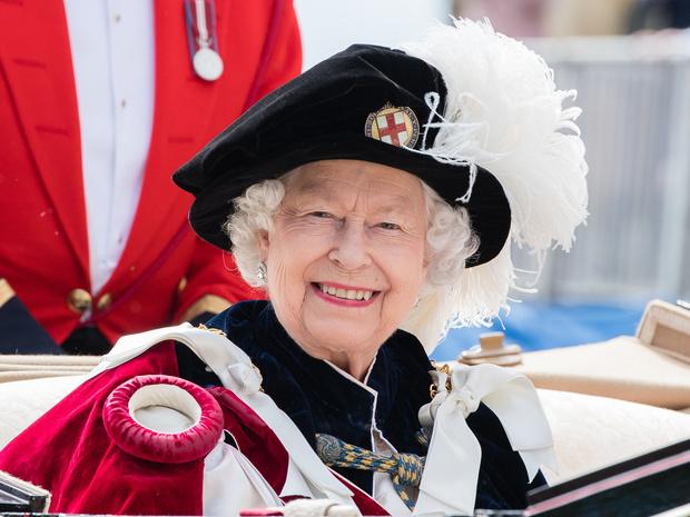 Фото №1 - Ход Королевы: как Елизавета II собирается «украсть шоу» у Сассекских