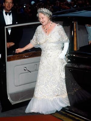 Фото №5 - Полный комплект: самые роскошные парюры британской королевской семьи