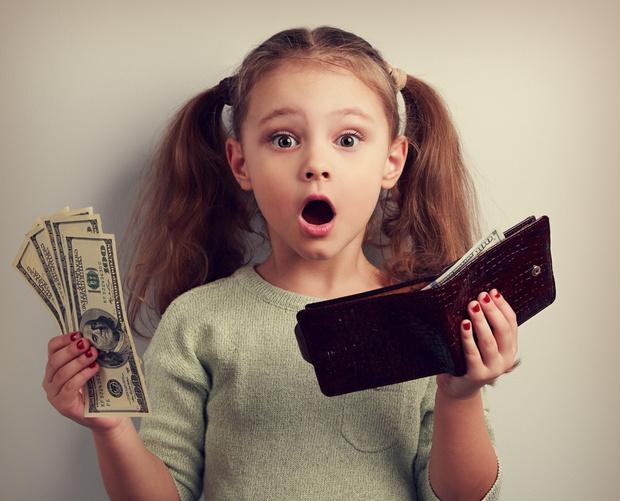 Фото №1 - «Давать ли дочери карманные деньги?»