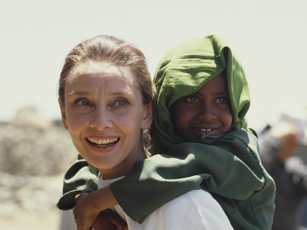 Фото №20 - «Ангел с печальными глазами»: как Одри Хепберн меняла мир к лучшему