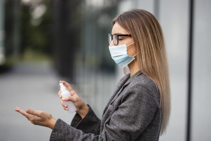 Гинеколог объяснила, как СOVID-19 и прививка влияют на женское здоровье