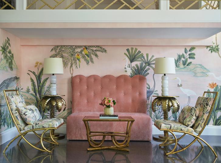 Фото №8 - Обои de Gournay в обновленном отеле Colony во Флориде