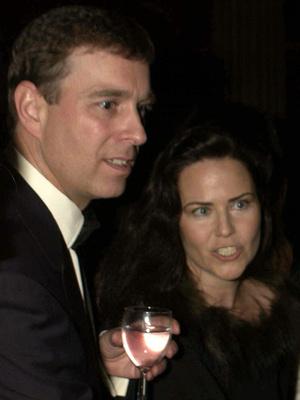 Фото №4 - «Скверный» роман принца Эндрю: как сын Королевы едва не женился на скандальной актрисе