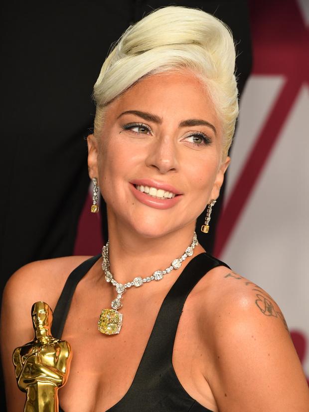 Фото №7 - Самые блистательные украшения в истории «Оскара»