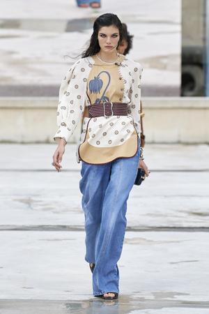 Фото №6 - Какие джинсы будут в моде весной и летом 2021