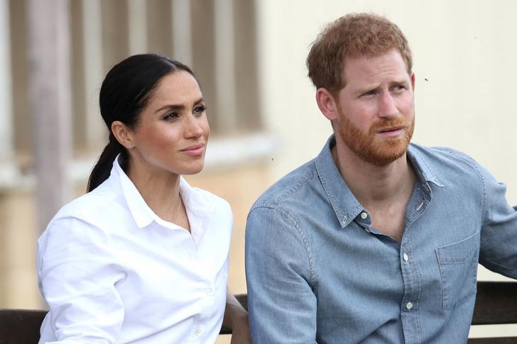 Фото №1 - Меган Маркл вернулась в Канаду, оставив принца Гарри договариваться с семьей