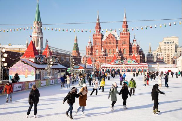 Фото №1 - Новогоднее настроение ON! 🎅28 ноября открывается ГУМ-Каток на Красной площади