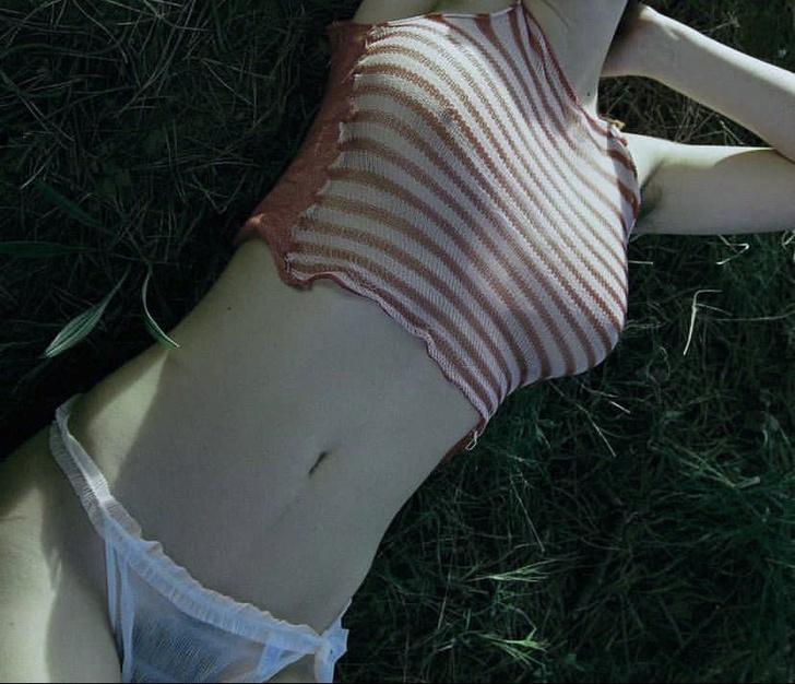 Фото №4 - #Нюдсочетверг: откровенные фотографии самых красивых девушек из «Твиттера». Выпуск 15