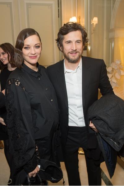 Фото №12 - Бойцовский клуб: за что на самом деле Анджелина Джоли намерена уничтожить Брэда Питта