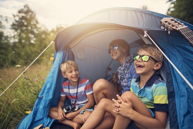 Фото №1 - Без дискотек и посещений: все о работе детских лагерей в 2020 году