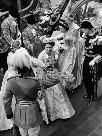 Фото №3 - Новый король— новые правила: почему Чарльз может нарушить коронационные традиции, которым уже 900 лет