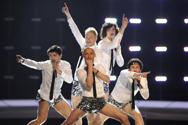 Фото №7 - 10 нелепых нарядов участников «Евровидения»