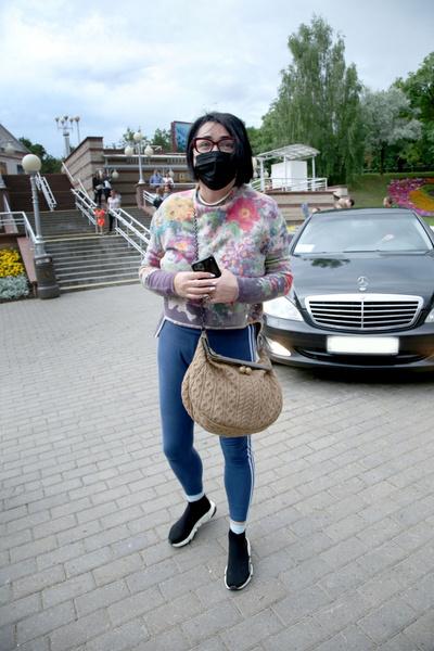 Фото №6 - «Болезнь бы тогда не победили»: Лолита впервые призналась, зачем отвезла дочку к маме в Киев