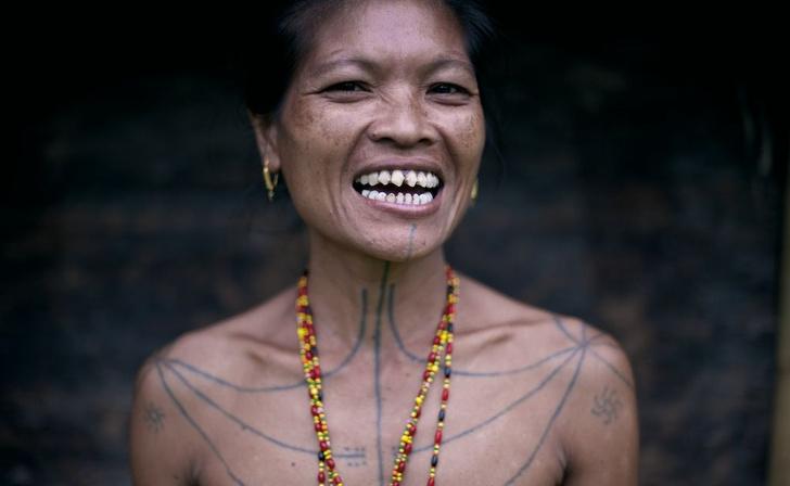 Фото №3 - 7 самых диких трендов женской красоты в азиатских странах