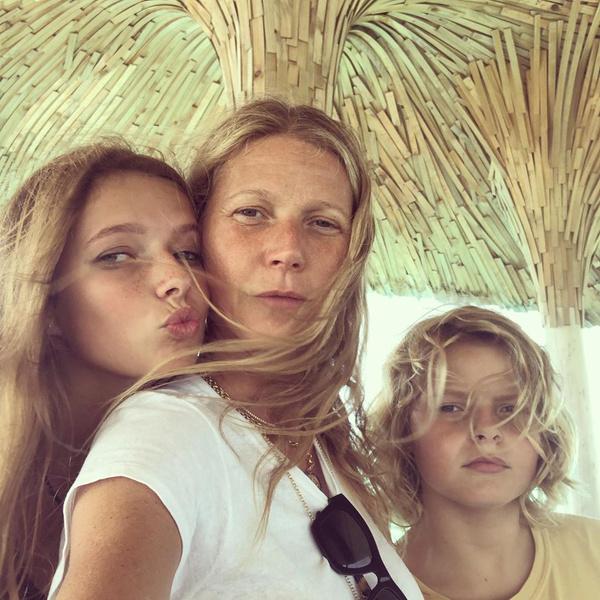 Фото №3 - В чем родилась: Гвинет Пэлтроу выложила полностью обнаженное фото в 48-й день рождения